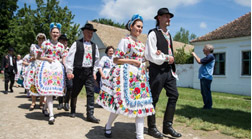 Hungarian Folk Customs and Traditions